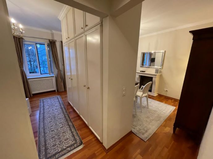 Exclusive, luxurious, fully furnished two room apartment in prestigious old town