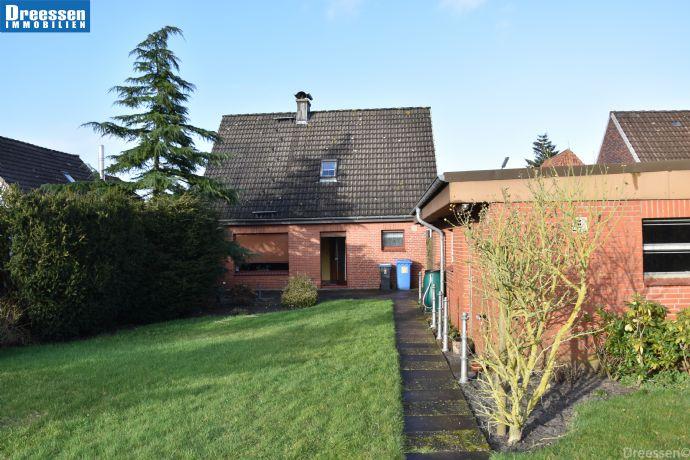 Meldorf: Gepflegtes Einfamilienhaus mit Garage auf ca. 914 m² Eigenland