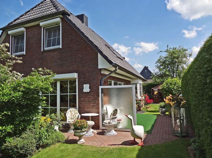 gemütlich möbliertes Einfamilienhaus im Grünen für 3-4 Personen