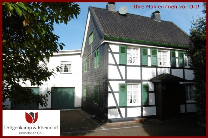 Freistehendes Fachwerk-Einfamilienhaus mit Anbau und Scheune * ca. 1.600 m² Grundstück * 2 Garagen * Für Handwerker und Individualisten *