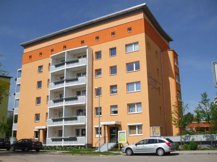 Das hat sonst niemand! Hochwertige Eigentumswohnung mit Erker und Balkon in Markersdorf!