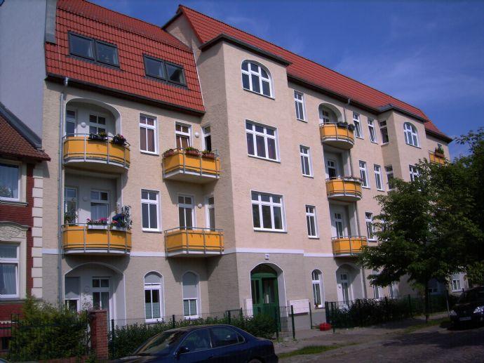 SONNENAUFGANG VOM BALKON - Helle 2-Zimmer-Wohnung - am STADTZENTRUM, nahe LEHNITZSEE, Polizeischule