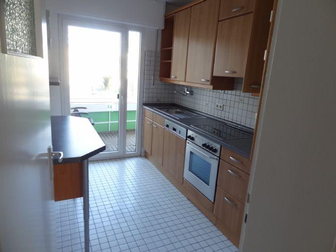 gemütliche 3,5-Raum-Wohnung mit Balkon- zentral gelegen