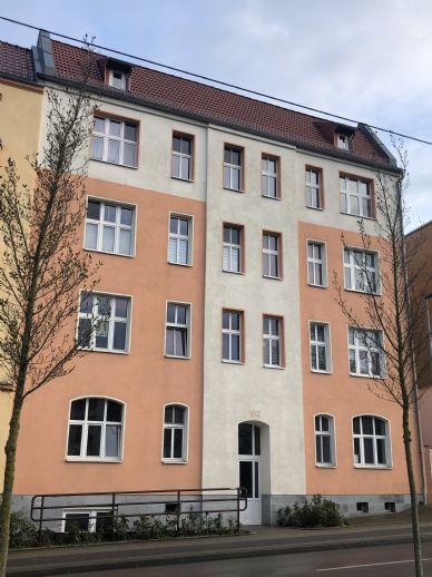 Wunderschöne 3-Zimmer-Wohnung mit Loggia. WG-geeignet!