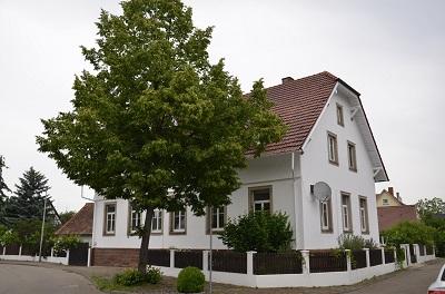 Kehl-Leutesheim - Historisches Anwesen mit Nebengebäude