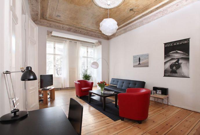 Exklusive, geräumige und neuwertige 1-Zimmer-Erdgeschosswohnung mit Einbauküche in Nürnberg