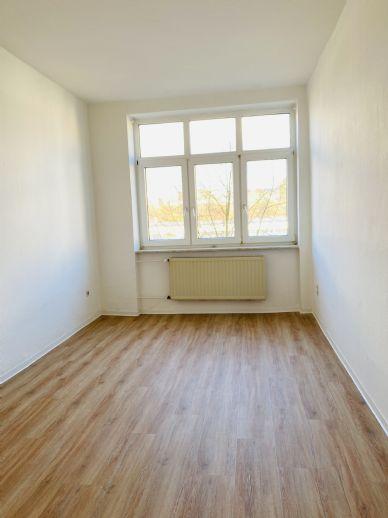 KS-Nähe Aue-Altbauflair: großzügige 3 Zimmer, Küche, Bad-Whg. im 4. OG eines Altbaus
