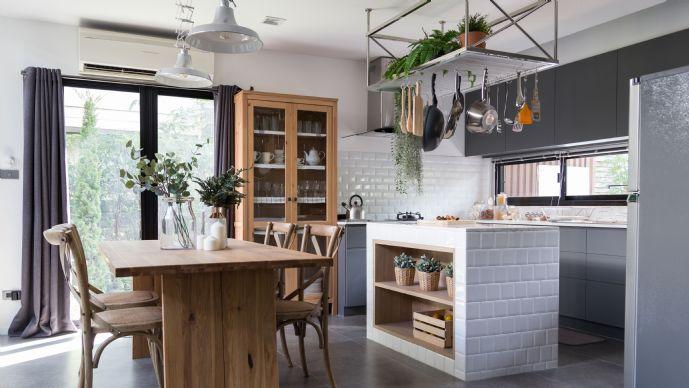 Perfekte Singlewohnung! 2 Zimmer Gartenwohnung mit zusätzlich ausgebautem Hobbyraum ca. 14.5 m², ideal als Fitnessraum oder Arbeitszimmer