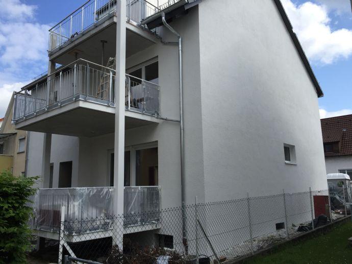 Kernsanierte  2,5-Zimmer-Wohnung in Esslingen am Neckar mit Balkon