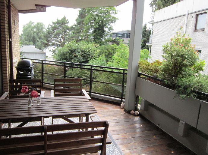 3 Zimmer mit Elbblick, Loggia und TG-Stellplatz in Blankenese