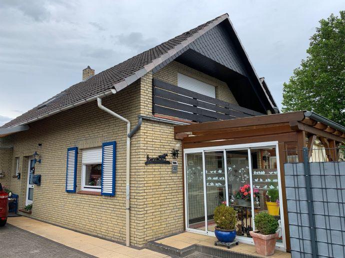 Sehr gepflegte Doppelhaushälfte mit Anbau in ruhiger und doch sehr zentraler Lage von Wildeshausen zu verkaufen!