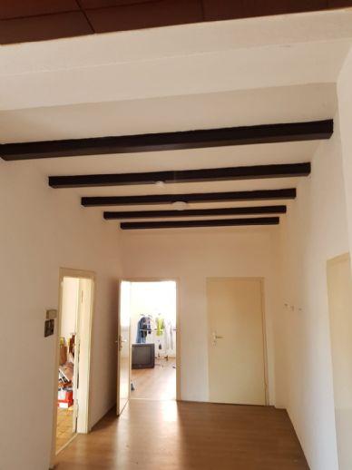 Renovierte 6-Zimmer-Wohnung / WG-geeignet in zentraler Lage!