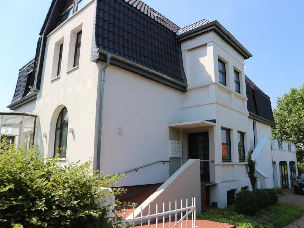 Löhne Gohfeld - Top 2-Zimmer Obergeschoss-Wohnung + Studio-Zimmer im DG in einer repräsentativen Altbau-Villa!