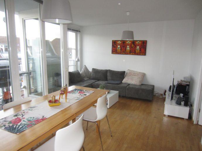 Attraktive voll ausgestattete Maisonette-Wohnung im 5.+6. Obergeschoss mit Balkon und Aufzug