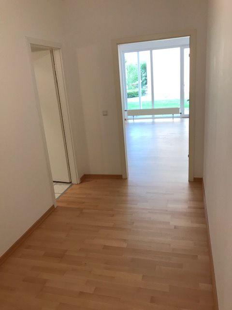 Helle 2 Zimmerwohnung in unmittelbarer Rheinnähe
