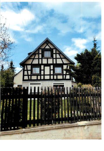 Einfamilienhaus mit großem Grundstück und Nebengelaß in ruhiger, grüner Lage und doch Stadtnah