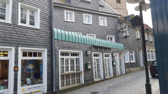 Altstadt Remscheid-Lennep, renovierte 3-Zimmer-Wohnung 70 qm zu vermieten