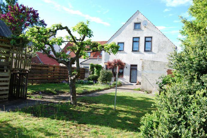 FÜR DIE GROSSE FAMILIE......sehr gepflegtes Wohnhaus, teilweise barrierefrei auf schönem Südgrundstück in Brake...