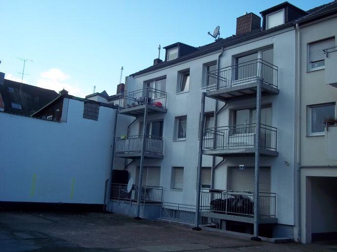 8-Parteienhaus in begehrter Wohnlage Köln-Dellbrück