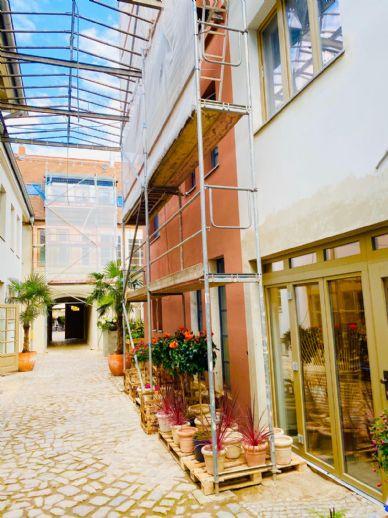 Traumhafte Altbauwohnung -restauriert & modernisiert-
