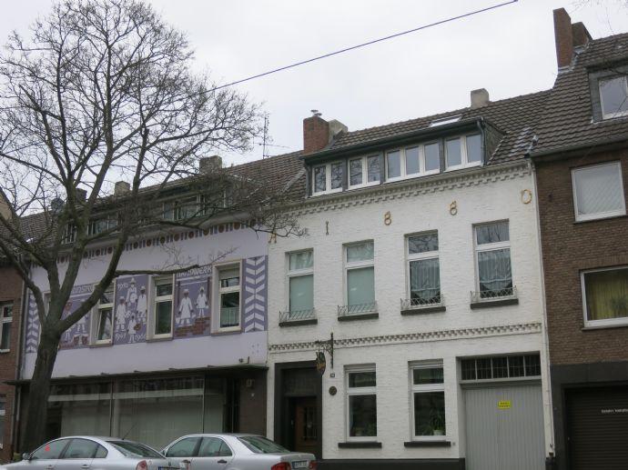 Gemütliche Zwei-Zimmer-Wohnung unterm Dach