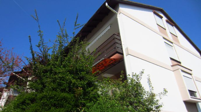 Zwei-Familienhaus mit 657 m² Erbpachtgrundstück