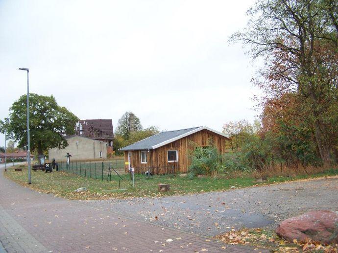 Kleines Rohbauhaus in Malliß im Dorfzentrum an der B - 191 !