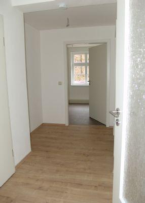 """Sofort bezugsfrei! Freundliche helle 2-Raum-Wohnungen mit Aufzug! Wohnen in den """"Vier Jahreszeiten"""""""