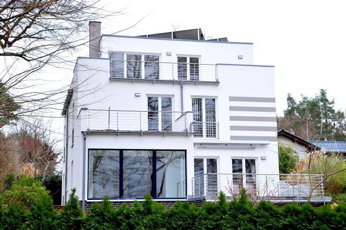 luxuriöse, moderne Villa am Lehnitzsee direkt am Wasser in Oranienburg