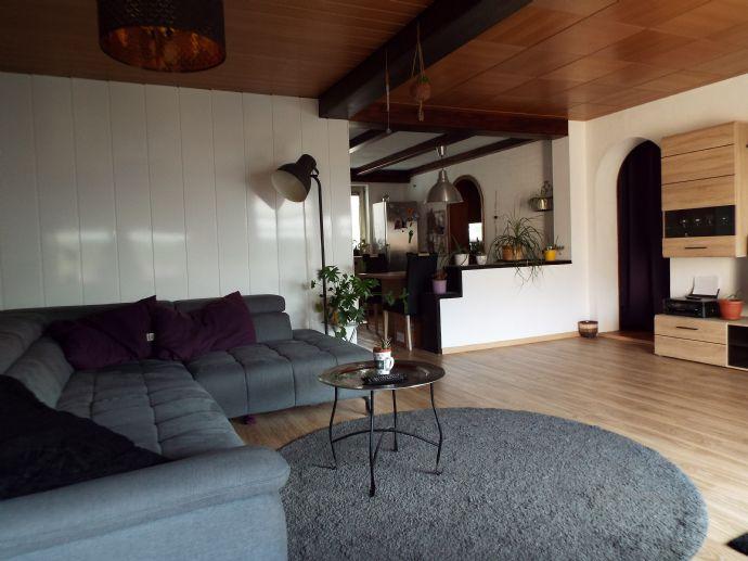 Doppelhaushälfte mit drei Garagen in Kulmbach - nur 3 Minuten in die Innenstadt