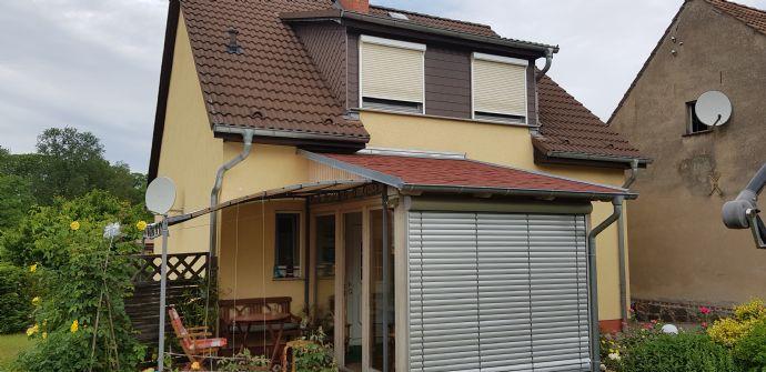 2 Häuser mit großen Garten