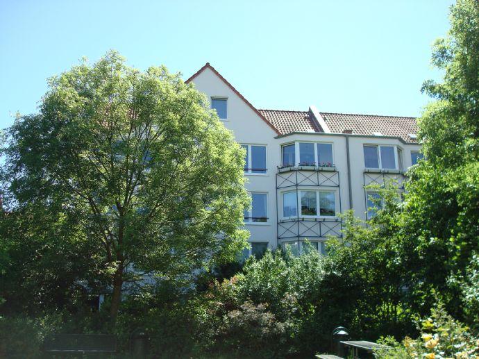 Großzügige 3-Zimmer Wohnung mit Wintergarten