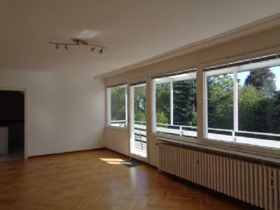 D-Mörsenbroich/Zoo/Nähe Gartenstadt Reitzenstein helle 2 Zimmer Wohnung mit Parkett und neuer Einbauküche