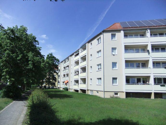Zentrumsnahe 2-Raum-Wohnung mit Balkon