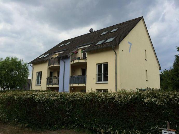 ZUKUNFTSORIENTIERTE LAGE! 2 Mehrfamilienhäuser mit jeweils 6 großen Wohnungen in grüner ländlich-idyllischer Umgebung!