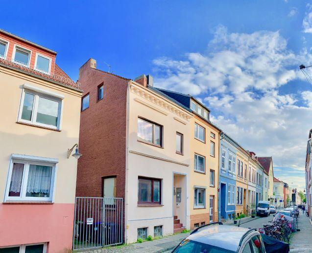 Renditehaus: 3 Wohnungen mit 5,3% Mietrendite* in Toplage