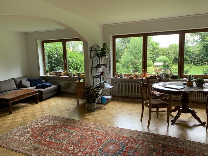 Paar oder eine Person für Hausgemeinschaft in großer und schöner Doppelhaushälfte gesucht