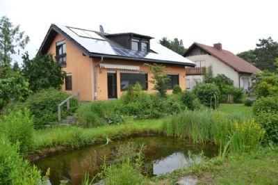 Haus mit Photovoltaik & Solar, Dachgeschoß ausgebaut.
