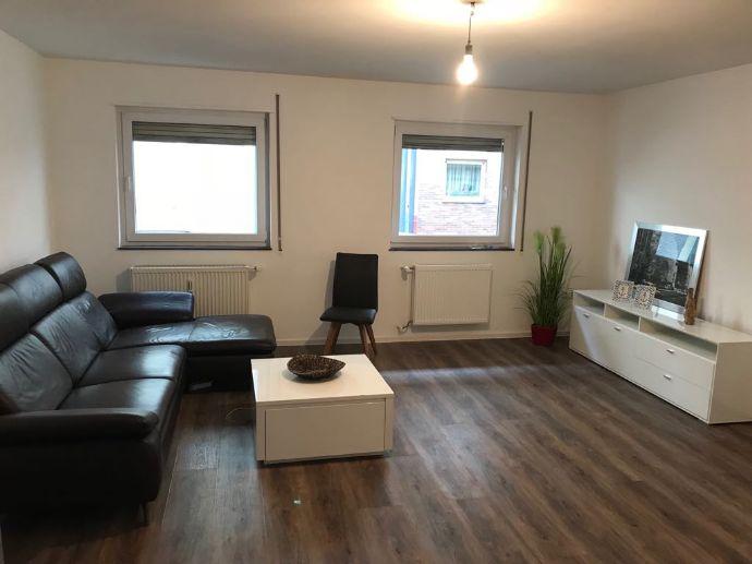 Sehr schöne, hochwertig sanierte und möblierte 1-Raum-Wohnung mit Einbauküche am Schillerpark in C2