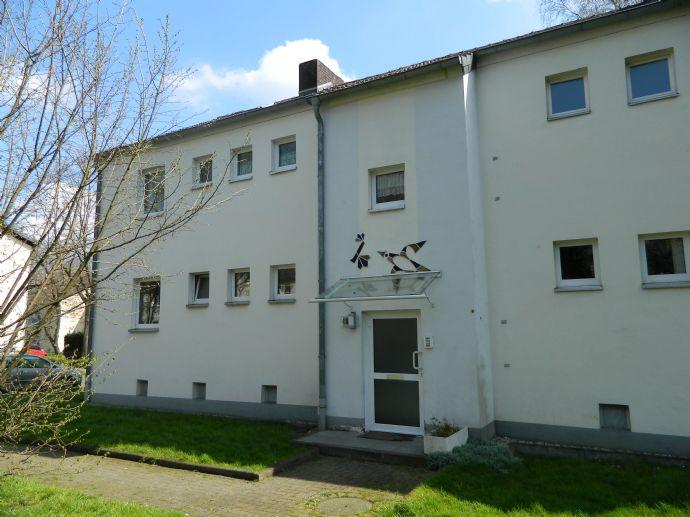 Erdgeschosswohnung mit drei Zimmern in Oberhausen-Bermensfeld
