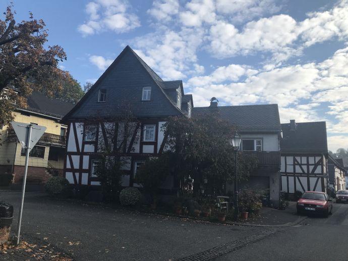 Schöne Wohnung - 5 ZKB mit Balkon in Eibach zu vermieten !