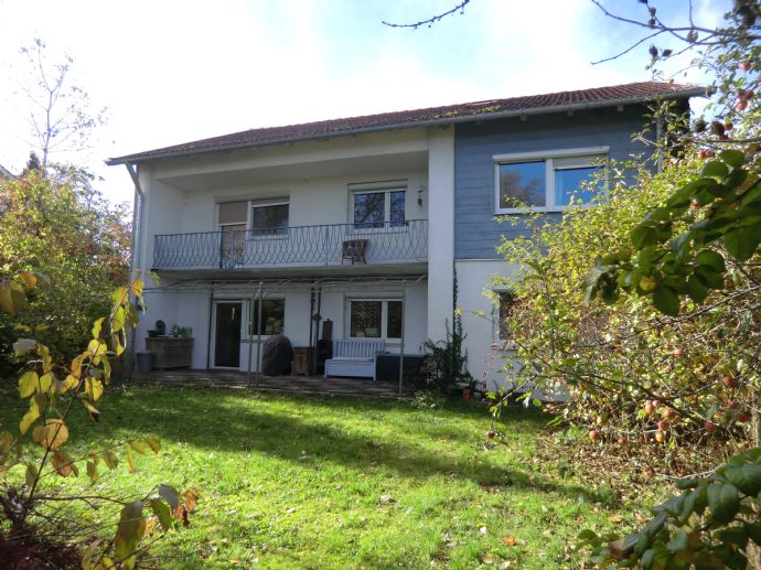 Verkaufen ein vielseitiges, modernisiertes Einfamilienhaus mit Einliegerwohnung in Waging am See