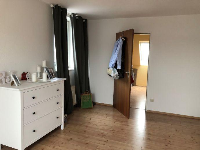 3-Raum-Wohnung inkl. Einbauküche, Wannenbad und Balkon zu vermieten!