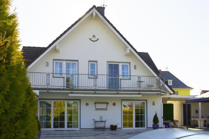 modernes freistehendes Einfamilienhaus mit 336 m² Gesamtfl. am Rande von Andernach zu verkaufen