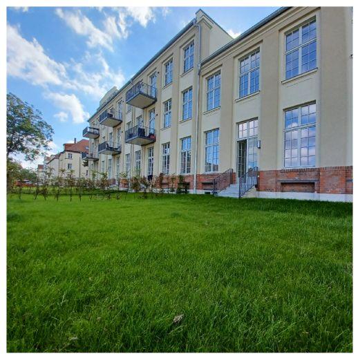 luxuriöse 3-Raum-Wohnung Loft in Theaterfabrik