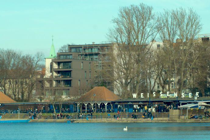 Exklusive 4- bis 5-Zimmer-Wohnung mit Dachterrasse und Seeblick, nur 5 Minuten nach Prenzlauer Berg