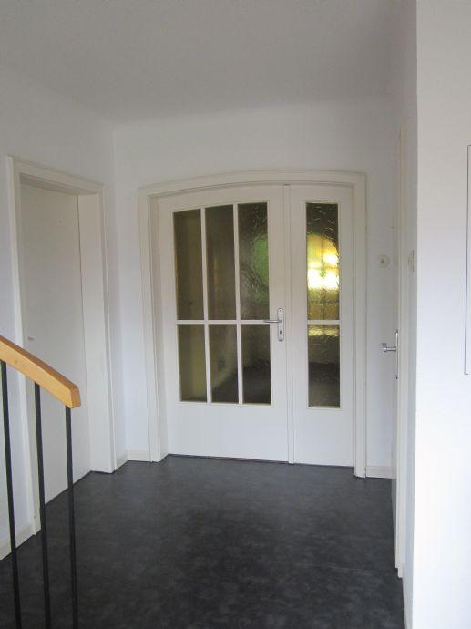 Schöne, helle 2,5 Zimmer-Wohnung, möbliert
