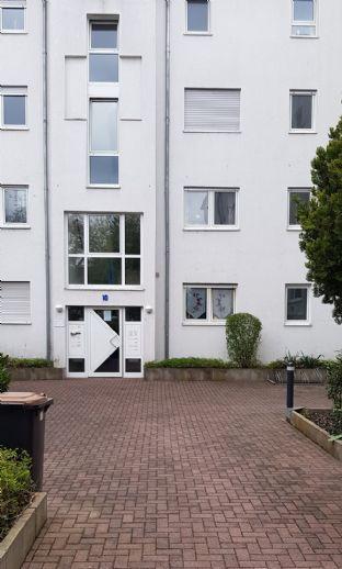 Attraktive, sonnige 3-Zimmer-Wohnung mit Balkon und neuer Einbauküche