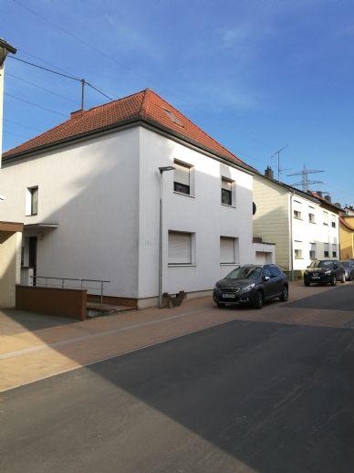 Perfekte Aufteilung auf 160 m² und 7 Zimmer. Familienhaus in Völklingen-Wehrden ohne Makler!!!