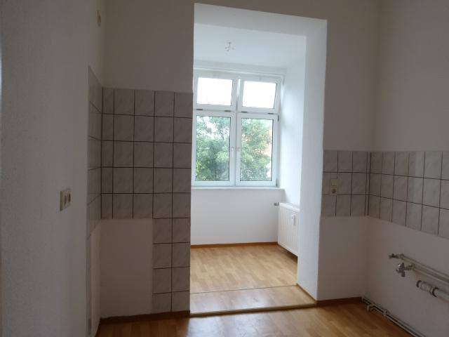 3-Zimmer-Wohnung mit Loggia, 1.OG, günstige Miete